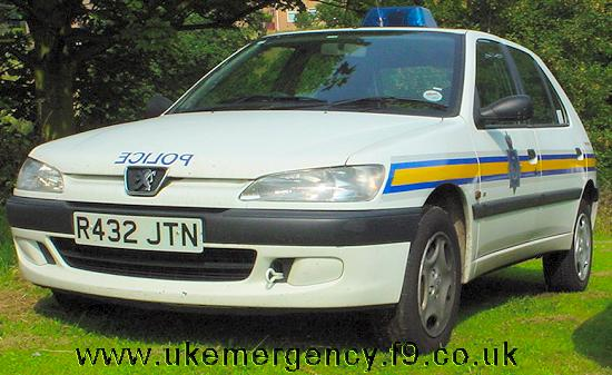 r432 jtn a durham peugeot 306 1 9d panda car uk emergency vehicles. Black Bedroom Furniture Sets. Home Design Ideas