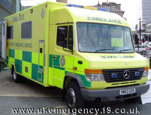 Ukemergency uk emergency vehicles page 121 for Mercedes benz emergency