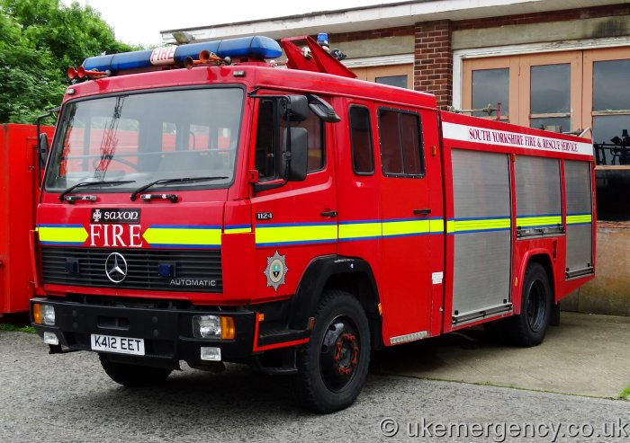 K412 eet south yorkshire fire and rescue service mercedes for Mercedes benz emergency