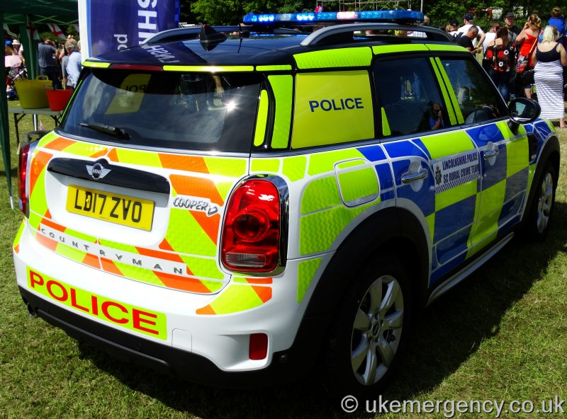 Ld17 Zvo Lincolshire Police Mini Cooper Countryman Uk Emergency