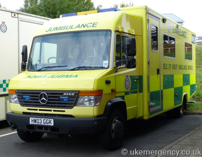 Hw03 ggk an isle of wight ambulance service mercedes benz for Mercedes benz emergency