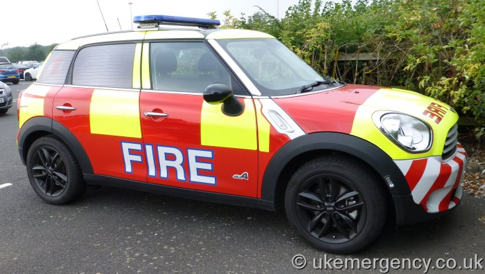 Lc13 Bcy A Mini Cooper That Is Marked Up As A Fire Car Uk